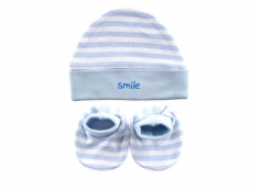 Cap & Booties Set (Smile)